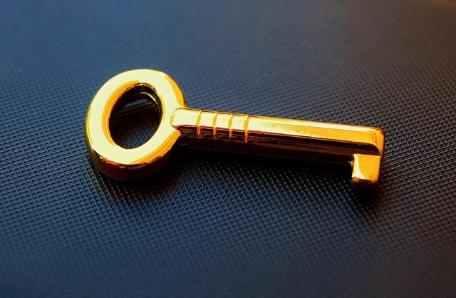 鍵が抜けないときの抜き方、2つの解決方法